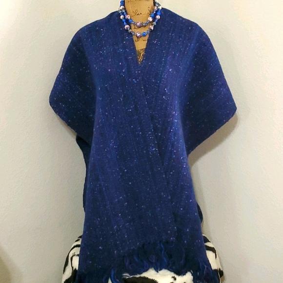 Oversized blue purple wrap/scarf w/fringe•Bundle